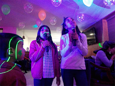 Fiesta neón happy party